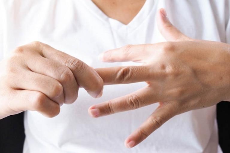 Tê đầu ngón tay: Dấu hiệu cảnh báo các căn bệnh nguy hiểm