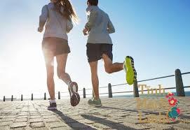 Bị suy giãn tĩnh mạch có nên chạy bộ không?